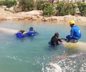 تفاصيل جهود إصلاح كسر خط المياه الرئيسي المغذي لمدينة العريش ببئر العبد (صور)