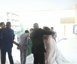 """زفاف تحت انفجار بيروت"".. فيديوهات وصور توثق رعب 3 عرائس لبنانيات"