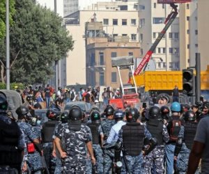 انفجار بيروت.. اللبنانيون يتظاهرون والرصاص الحي يملأ الشوارع