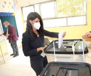 رانيا المشاط تدلي بصوتها في انتخابات مجلس الشيوخ: التنظيم يعكس صورة إيجابية عن مصر