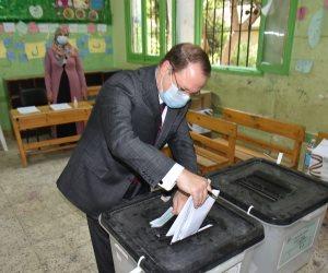 النائب العام يُدلي بصوته في انتخابات مجلس الشيوخ بمدينة نصر (صور)