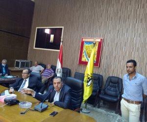 محافظ شمال سيناء يتابع سير انتخابات مجلس الشيوخ من غرفة الطوارئ (صور)
