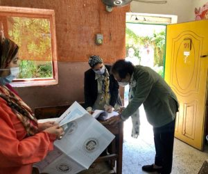 فاروق حسني يدلي بصوته فى انتخابات الشيوخ: المشاركة واجب وطني (صور)