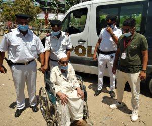 انتخابات مجلس الشيوخ.. الشرطة تلبى رغبة مسن وتنقله إلى مقر لجنته بدار السلام