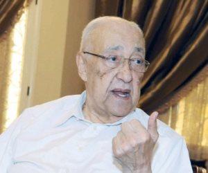 """""""عمرها 50 عاما"""".. وكيل جهاز أمن الدولة الأسبق يكشف لـ""""صوت الأمة"""" خطة عمر التلمساني لأخونة نقابات مصر"""