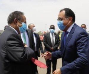 رئيس الوزراء يصل الخرطوم.. وحمدوك على رأس مستقبليه فى المطار