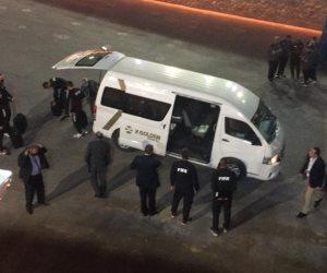 وصول طاقم تحكيم مباراة الأهلي والزمالك إلى إستاد القاهرة (صور)