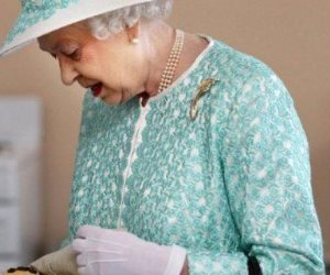 هذه الأكلة لا تحبها الملكة إليزابيث الثانية ويعشقها الملايين.. تعرف عليها