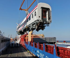 وزير النقل يعلن وصول 22 عربة سكة حديد روسية جديدة لميناء الإسكندرية