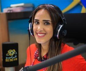 فاطمة مصطفى تستضيف محمد جمعه فى الراديو بيضحك على 9090