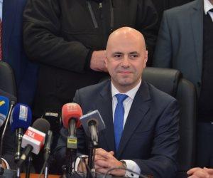 """غسان حصبانى عضو تكتل """"القوات اللبنانية"""": حزب الله يسيطر على مفاصل الدولة"""