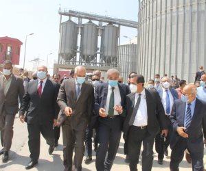 وزير التموين ومحافظ الجيزة يتفقدان صومعة بني سلامة بمنشأة القناطر