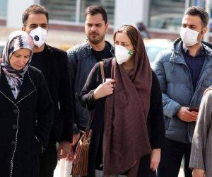 إيران تتجه نحو إجراءات احترازية أكثر شدة.. تفويض رئاسي لحكام الأقاليم بفرض العزل الصحي
