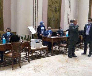 بدء استقبال أعضاء مجلس الشيوخ بالبرلمان لاستخراج بطاقات العضوية.. صور