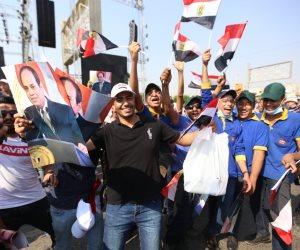 مواطنون يحتفلون بذكرى نصر أكتوبر ودعم الدولة والرئيس: «يا سيسى اخترناك والشعب كله وراك»