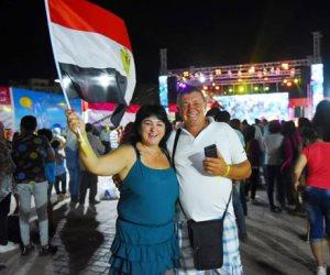 البحر الأحمر تتزين بحشود المواطنين في احتفالات نصر أكتوبر ودعم الدولة والرئيس (صور)