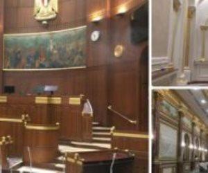 مجلس الشيوخ يتزين استعدادًا لأولى جلساته.. تحديد أماكن الوكيلين واللون الذهبى يكسو الشعار (صور)