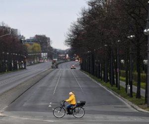 كورونا يعيد الطوارئ إلى شوارع أوروبا: مدن القارة العجوز تحت الحصار مجددا