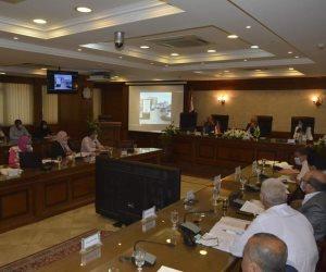 محافظ الجيزة يترأس إجتماع اللجنة العليا للإعلانات