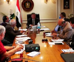 وزير قطاع الأعمال يلتقي رؤساء النقابات العامة بشأن مسودة لائحة الموارد البشرية