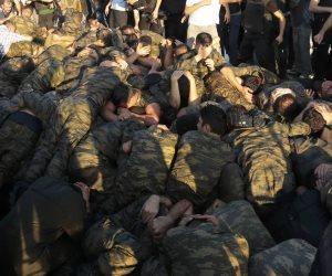 أردوغان يعتقل 46 عسكريا وشرطيا والبحث عن 35 آخرين بتهمة الانتماء لجماعة جولن