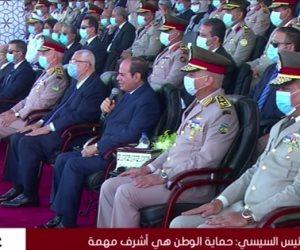 السيسى شاكرا أولياء أمور خريجى الكليات العسكرية: قدموا أبنائهم لحماية مصر