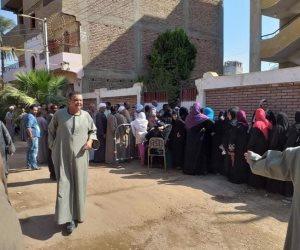 انتخابات مجلس النواب.. الطوابير تمتد أمام لجان الأقصر (صور)