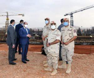 الرئيس السيسي يتفقد حي البنوك بالعاصمة الإدارية (صور)