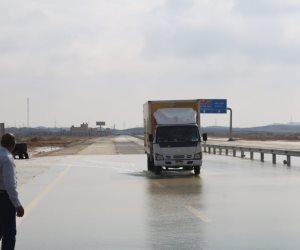 المرور يغلق طريق نويبع اتجاه سانت كاترين بسبب الأمطار الغزيرة