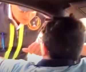 إحالة طفل المرور و 3 من أصدقائه المتهمين بالتنمر على رجل شرطة للمحاكمة
