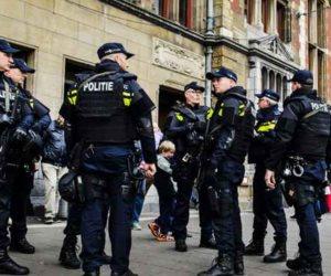 الشرطة الهولندية تعتقل شخصين مثلا تهديدا بمحطة القطار فى أوترخت