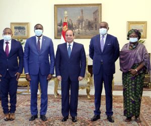 السيسي يستقبل وفدا كونغوليا ويؤكد مساندة مصر للكونغو في رئاسة الاتحاد الأفريقي