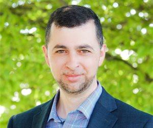 """فوز أول عربى مسلم بانتخابات مجلس الشيوخ الأمريكى """"فلسطينى هاجر منذ 19 عاما"""""""