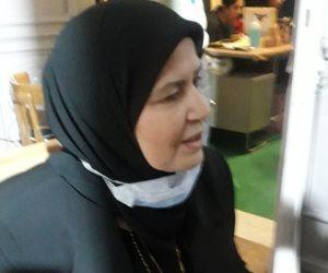أم الشهيد مصطفى عميرة بعد الإدلاء بصوتها.. «الوقوف في طابور الناخبين أحسن من اللاجئين»