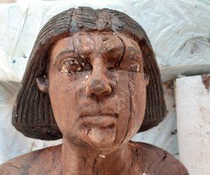 تفاصيل الكشف الأثرى بسقارة.. يتجاوز 100 تابوت وتماثيل وأقنعة مذهبة