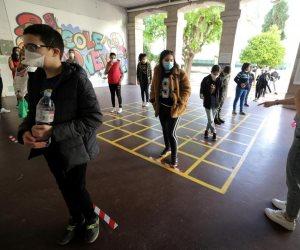 موجة الثالثة لكورونا تهدد عودة المدارس في أوروبا.. المملكة المتحدة تقرر الإلغاء وألمانيا تؤخر عودة الفصول