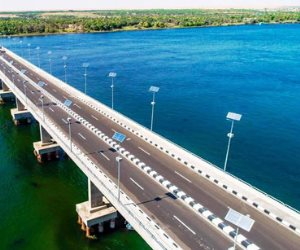 قطار التنمية يواصل رحلاته في الصعيد.. 4 محاور علوية تربط شرق وغرب النيل بأطوال 70 كم وتكلفة 6.5 مليار جنيه