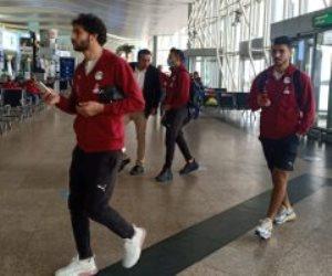 المنتخب يصل مطار القاهرة استعدادا للسفر إلى توجو ..صور