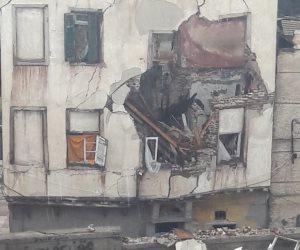 مصرع 4 أشخاص وإصابة 6 آخرين فى انهيار عقارين بالإسكندرية بسبب الطقس السيئ