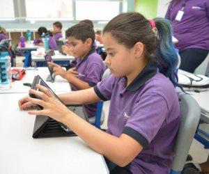 «التعليم»: الصفان الأول والثاني الثانوي سنوات نقل.. والامتحانات إلكترونية