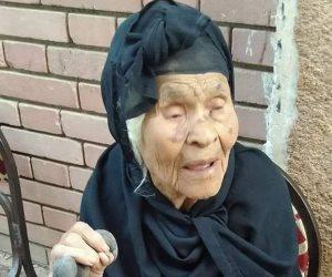 أكبر معمرة في أسوان 111 عاما تشارك بجولة الإعادة لانتخابات النواب (صورة)
