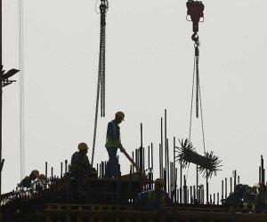 قطر تسرق أجور العمال.. الانتهاكات تتواصل والجوع يتزايد بين الأجانب