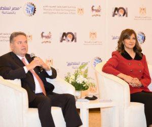 وزيرة الهجرة: الدولة مهتمة بصناعة الغزل والنسيج لتحقيق التنمية المستدامة