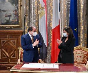 السيسي يلتقي عمدة باريس ويستعرض حجم وتنوع المشروعات القومية الجارية في مصر