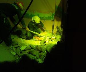 مصرع مسنة إثر انهيار سقف غرفتها بالهرم.. والحماية المدنية تستخرج الجثة (صور)