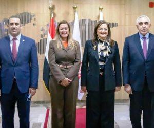 «الوطنية للتدريب» تستقبل وزيرة التخطيط ونظيرها العراقي (صور)