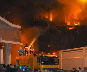 حريق ميناء الإسكندرية.. هذا ما حدث في 7 ساعات من النيران (فيديو)