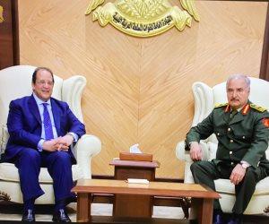 اللواء عباس كامل يلتقى حفتر وعقيلة صالح وينقل لهما رسالة دعم من الرئيس السيسي للشعب الليبى (صور)