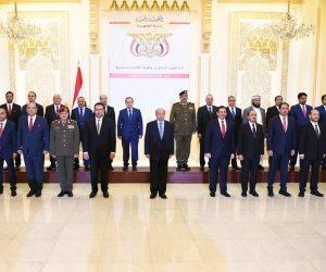 اتفاق مع أمريكا وعودة إلى عدن.. أولى خطوات الحكومة اليمنية الجديدة