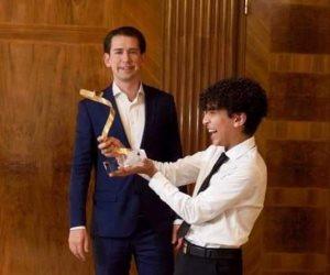 وزارة الهجرة تنظم زيارة إلى مدينة الجلالة للطفل ميسرة مقلد الحائز على شخصية العام بالنمسا
